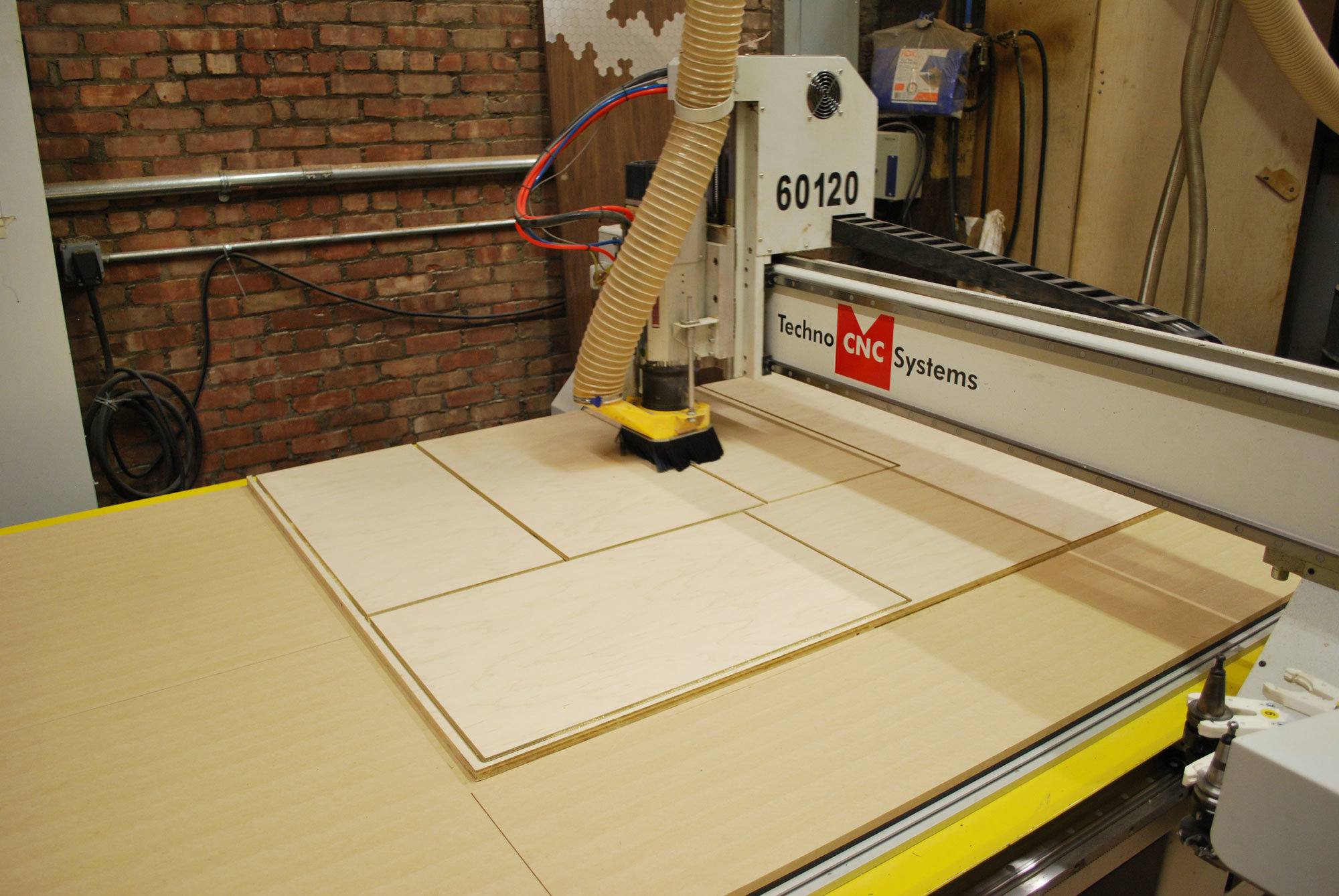 Techno CNC : CNC Routers - CNC Plasma Cutters - Used and New CNC